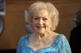 betty-white-2010-betty-white-30539931-2560-1702